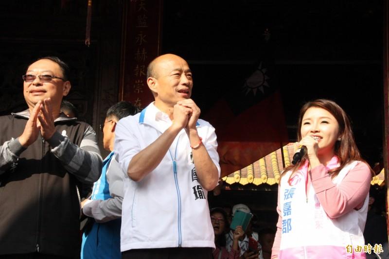 韓國瑜在雲林北港朝天宮參拜,指花生之亂是農委會管制進口失當。(記者許麗娟攝)