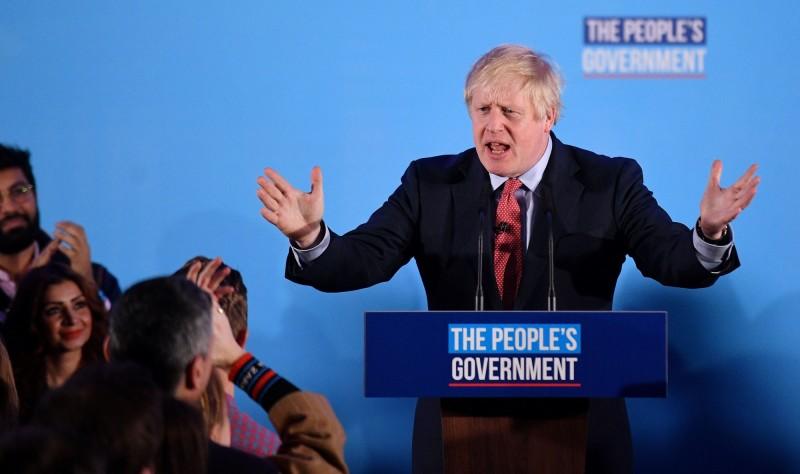 英國首相、保守黨黨魁強森表示,保守黨奪回下議院過半地位後,將能完成脫歐這個歷史性任務。(法新社)