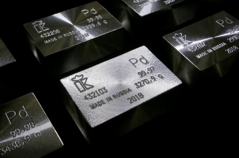 鈀金連續16日上漲,今(13)日達到每盎司1965.82美元(約新台幣5萬9400元)。(路透)