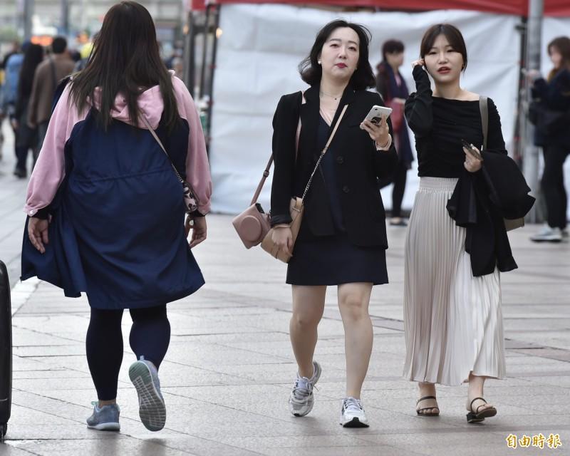 上週強烈大陸冷氣團發威,為台北帶來20個月來的新低溫,但有氣象專家大膽預測,這次強冷恐為今年冬季最冷的一波。(資料照)