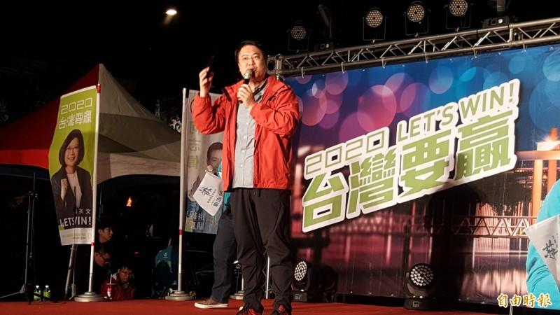 林右昌酸韓國瑜是金光黨,在高雄騙一騙,沒做滿3個月就去選總統。(記者楊心慧攝)
