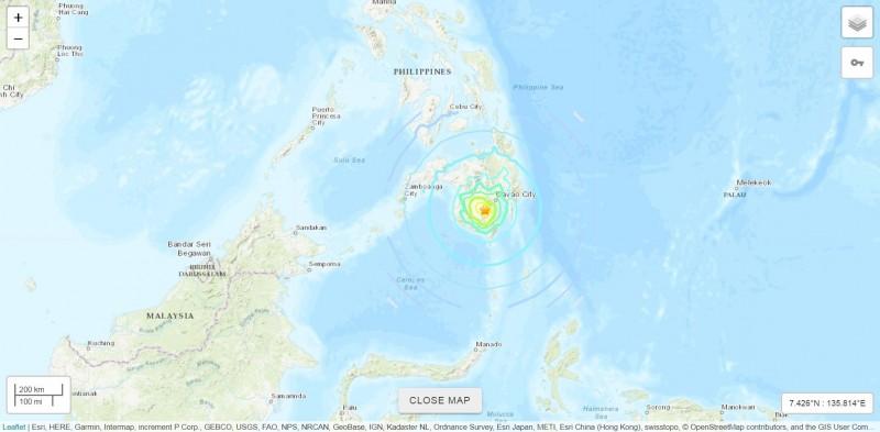 菲律賓民答那峨島今日下午發生芮氏規模6.8的極淺層地震。(擷取自美國地質調查所網頁)