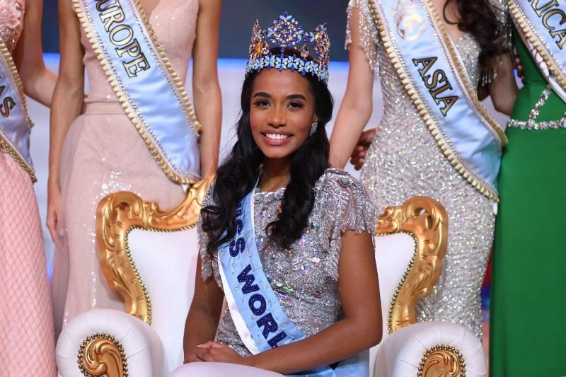 牙買加佳麗辛格(Toni-Ann Singh)於14日被加冕為2019年世界小姐,使得今年5大頂尖選美比賽美國小姐(Miss USA)、美利堅小姐(Miss America)、美國妙齡小姐(Miss Teen USA)、環球小姐(Miss Universe)、世界小姐(Miss World),全由黑人女性所囊括。(法新社)
