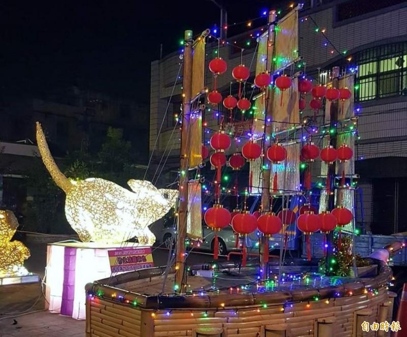竹山「巧巧鼠」竹藝燈會,從老鼠到帆船都是竹編打造而成的。(記者謝介裕攝)