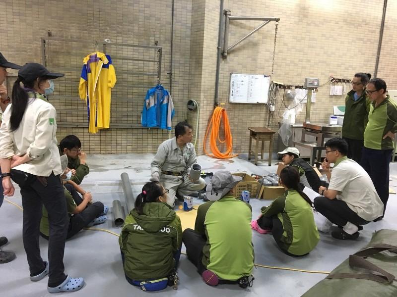 台北市立動物園最近開了一堂「動物玩具DIY教室」。(圖由台北市立動物園提供)