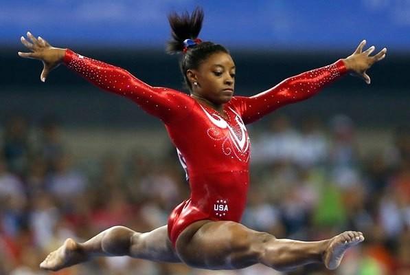 美國體操選手拜爾斯,在世界體操錦標賽得到的獎牌總數來到創紀錄的25面。(路透)
