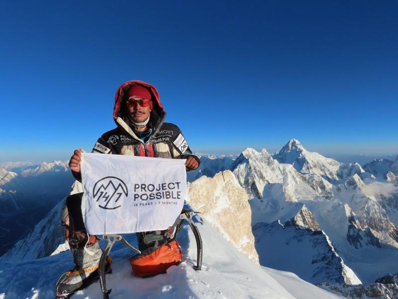 尼泊爾登山家普爾加在6個月又6天內,征服全世界14座8000公尺以上高峰。(法新社)
