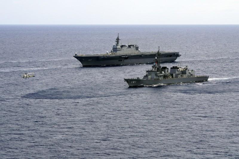 日本政府在今日內閣會議上,決定向中東派遣海上自衛隊,包括一艘護衛艦及一架P-3C海上巡邏機。(美聯社)