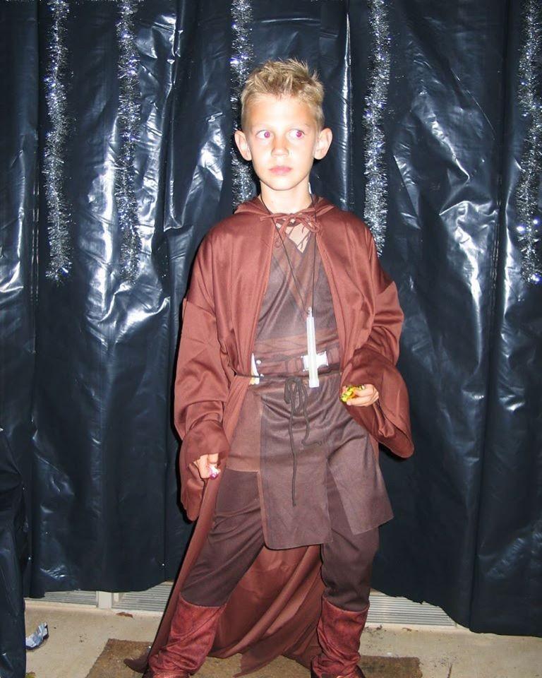萊利‧豪威爾從小就是為星際大戰狂粉,他的見義勇為受到星戰電影公司表揚。(圖擷自Riley Howell Foundation Fund臉書)