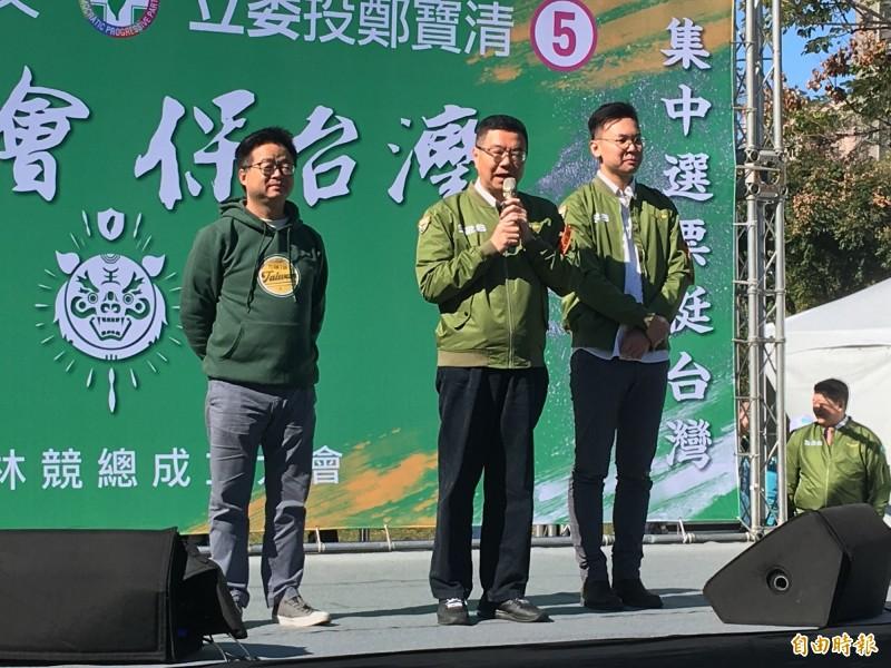 民進黨主席卓榮泰強調,反透法通過後,只有「白狼」、「吳斯懷」、「邱毅」等3種人受影響。(記者謝武雄攝)