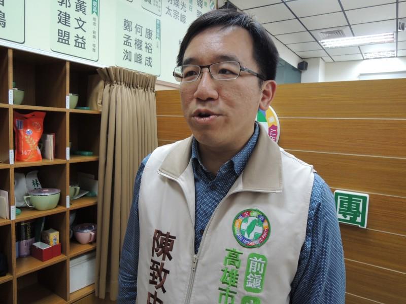 高市議員陳致中評論韓國瑜辯論會表現有四不一沒有。(記者王榮祥翻攝)