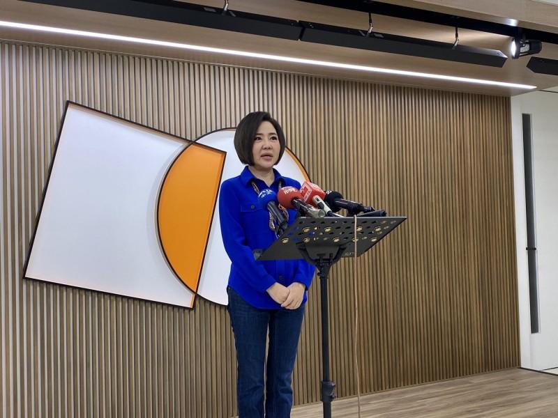 宋楚瑜競辦發言人于美人今天上午在親民黨中央黨部接受聯訪。(記者吳書緯攝)