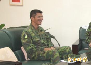 情次室少將助次洪鴻鈞(左)殉職。(資料照)