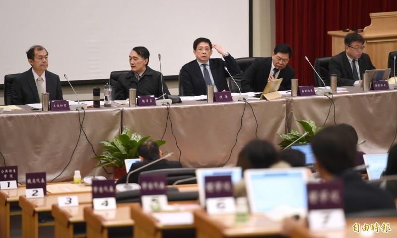 台大今校務會議通過,將與中研院合作,110學年增設「智慧聯網國際研究生博士學位學程」。(記者方賓照攝)