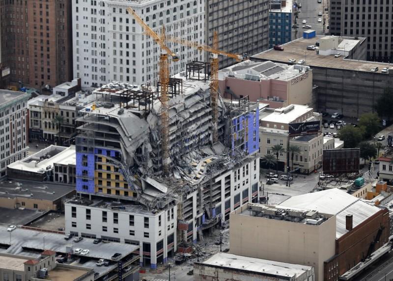 美國紐奧良興建中的硬石酒店(Hard Rock Hotel),於去年10月12月坍塌導致3死、數十人受傷,到現在還有2具遺體卡在建築物裡面。(美聯社)