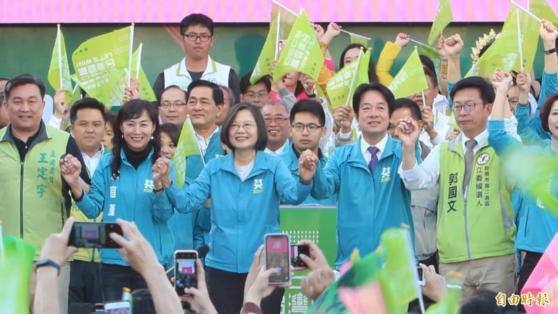 台南南紡夢時代今日下午將舉辦民進黨大型造勢大會,預計將會有超過10萬人到場。(資料照)