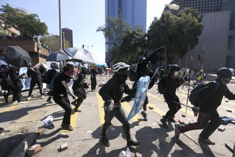 反送中抗爭者去年曾在香港科技大學與警方爆發激烈衝突。(美聯社檔案照)