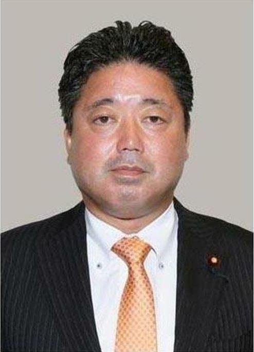 日本眾議員下地幹郎6日承認收受中國運彩業者100萬圓政治獻金。(取自產經新聞)