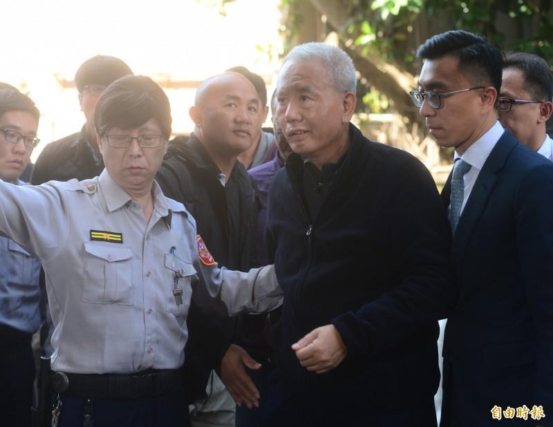 頂新混油案刑期確定,魏應充(中)明早發監。(資料照)