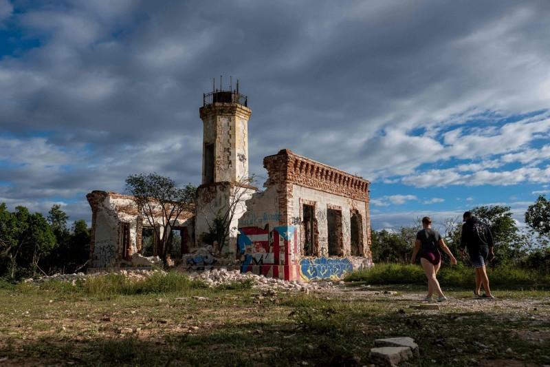 波多黎各知名燈塔建物崩塌。(法新社)