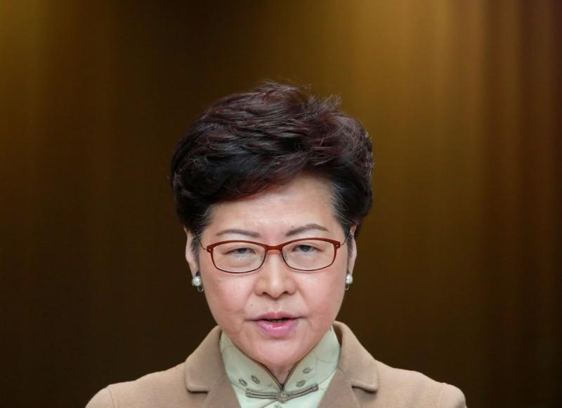 香港特首林鄭月娥今日表示,預計本週與新任中聯辦主任駱惠寧會面。(路透)
