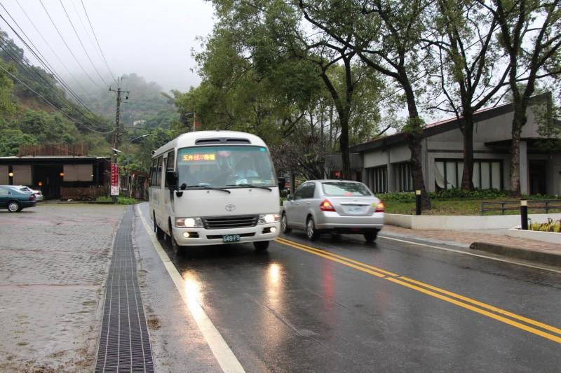 台南市交通局配合賞梅季提供免費接駁車。(記者洪瑞琴翻攝)