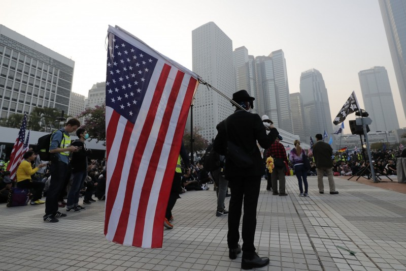 美國國會及行政當局中國委員會(CECC)發表2019年年度報告,當中指出香港自由自治不斷受中國侵蝕,建議美國政府使用人權法案制裁相關官員。(美聯社)