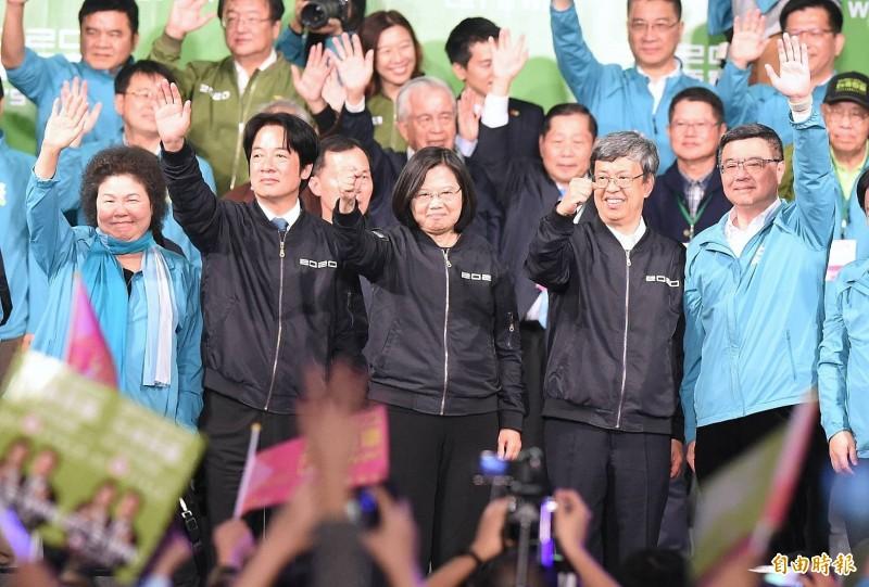 「蔡賴配」獲史上最高票817萬票當選連任。美國國務卿龐皮歐透過推特向蔡英文道賀,稱呼蔡英文為「蔡總統(President Tsai)」。(記者朱沛雄攝)