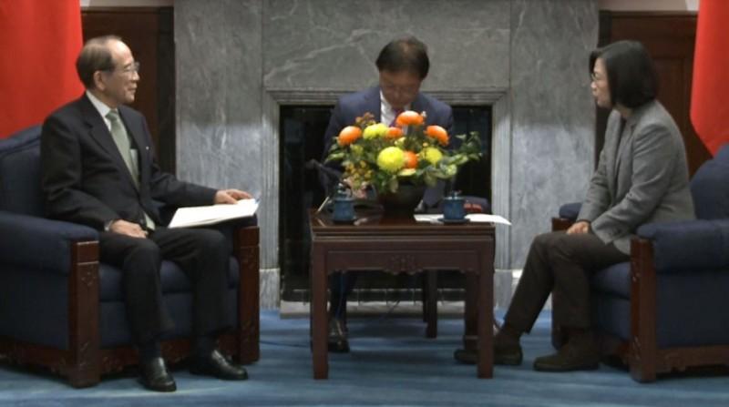 蔡英文總統今日上午接見日本台灣交流協會會長大橋光夫。(取自總統府網站)