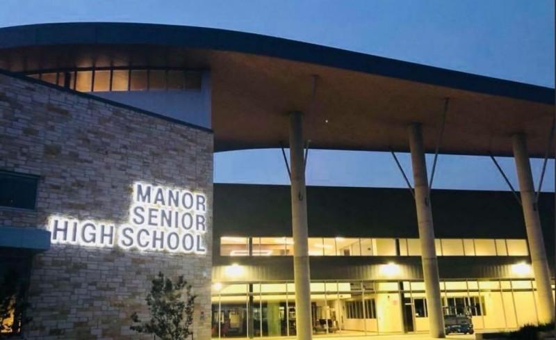 美國德州「曼諾獨立學院」在去年11月被電子郵件「釣魚」,期間共匯出高達230萬美元。(圖擷取自Twitter「Manor ISD」)