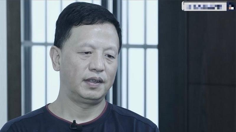 中國貴州省原省委常委、副省長王曉光涉貪4000多瓶茅台酒倒馬桶。(圖擷取自央視畫面)