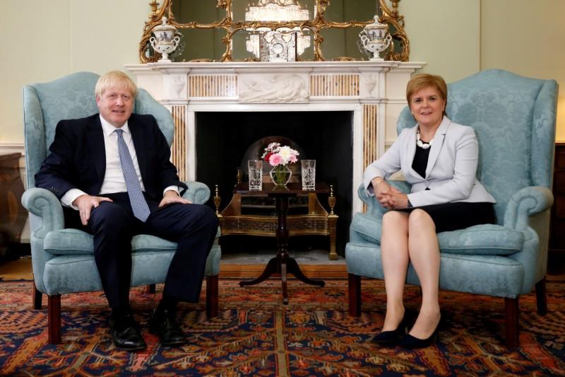 英相強森正式拒絕蘇格蘭首席部長施特金的要求,即獲得舉行另一場蘇格蘭獨立公投的權力。(路透)