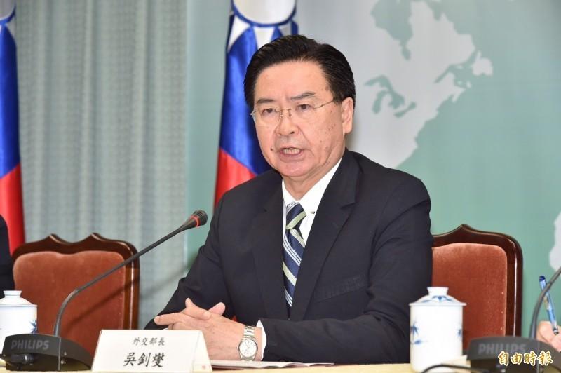 港媒報導,外交部長吳釗燮受訪時嗆中國「這麼想要玩弄其他國家的民主,或許他們可以辦場屬於自己的選舉來試試看」。(資料照)