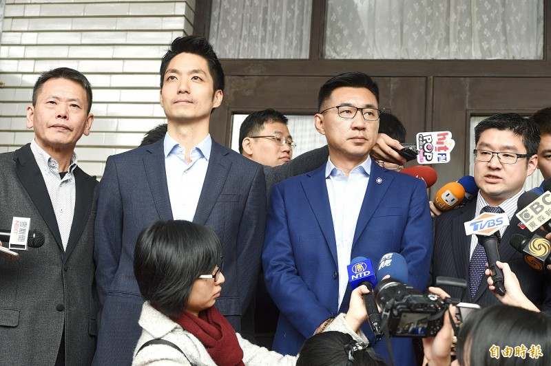 From left, Chinese Nationalist Party (KMT) legislators Lin Wei-chou, Chiang Wan-an and Johnny Chiang and Taipei City Councilor William Hsu speak to the media in Taipei yesterday.   Photo: George Tsorng, Taipei Times