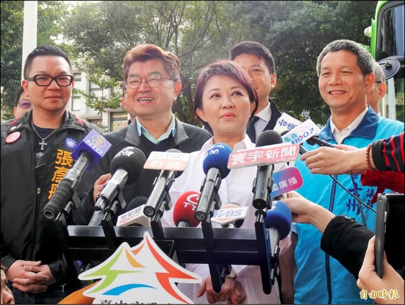 針對台南市議員謝龍介賭輸要跳柳川,台中市長盧秀燕昨天提出兩個但書。(記者張菁雅攝)