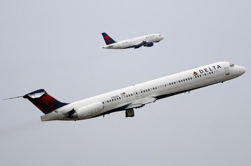 達美航空89號航班在洛杉磯迫降前空中放油,致地面多人受傷。(歐新社)