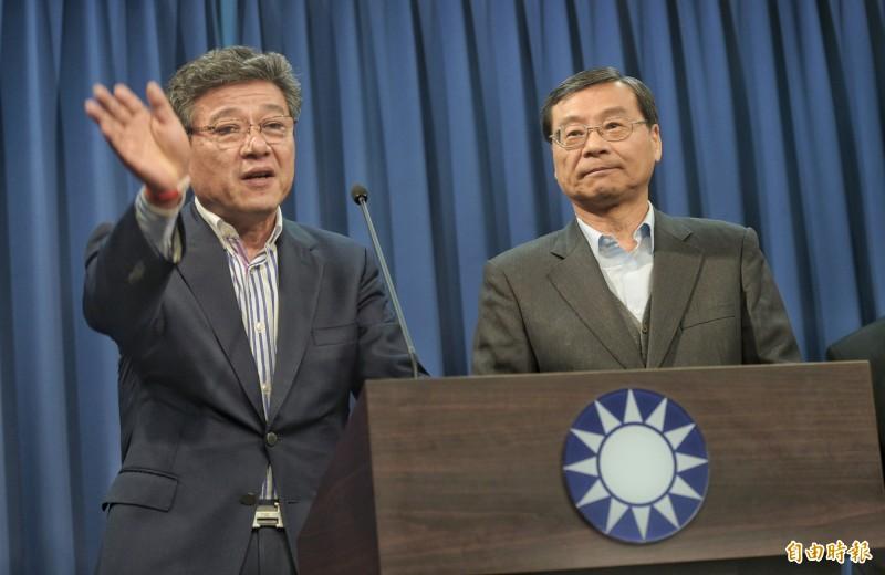 國民黨15日召開中常會,通過由中常委林榮德(左)代理黨主席、立委曾銘宗(右)代理黨秘書長。(記者張嘉明攝)