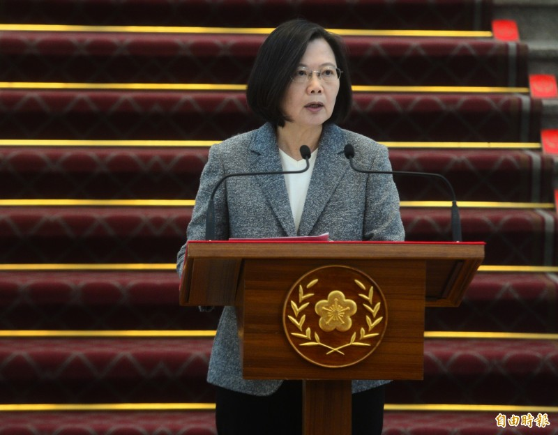 《英國廣播公司》(BBC)今天刊出剛當選連任的總統蔡英文專訪,她表示,任何時候都無法排除戰爭的可能性,必須做好加強自衛能力的準備,且中國若侵略台灣將付出巨大的代價。(記者王藝菘攝)
