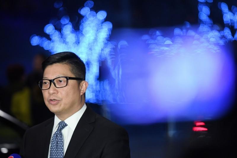 去年一名香港18歲少女控訴警員強姦,對此,警務處長鄧炳強表示,案件已循「誤導警員或作假口供」方向調查。(法新社檔案照)