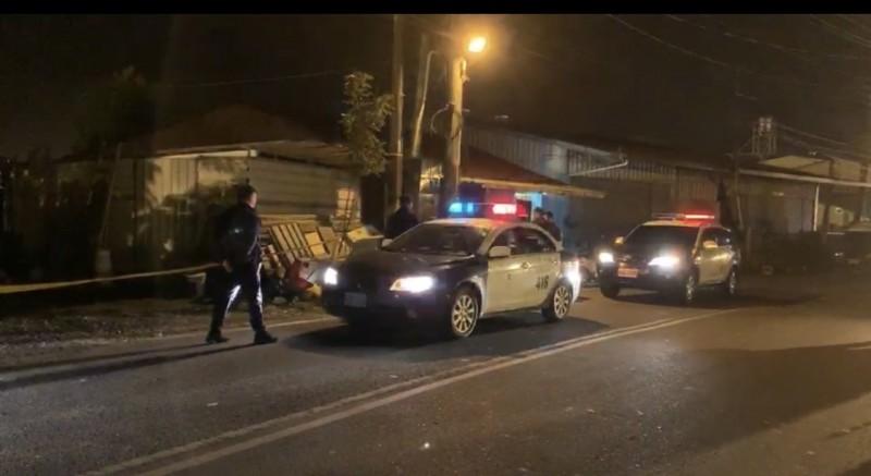 槍擊案發生後,大批警力趕至現場,並鎖定張姓嫌犯逃往合歡山區,立即展開追緝。(記者佟振國翻攝)