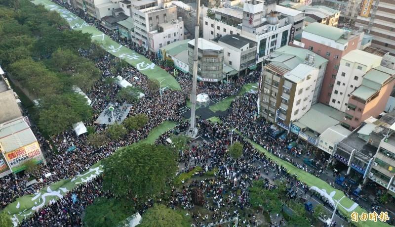 去年12月21日罷韓大遊行,50萬人共襄盛舉。(資料照)