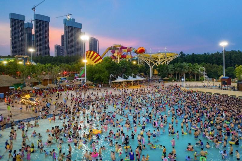 根據中國國家統計局今(17日)發布最新人口數據顯示,中國地區總人口突破14億人。(法新社)