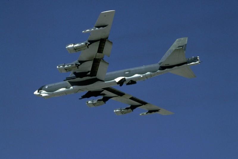 美軍目前有1750枚核彈頭保持部署狀態,其中400枚在陸基洲際飛彈上,900枚部署在彈道飛彈核潛艇上,300枚放在美國轟炸機基地,另外還有150枚戰術核彈部署在歐洲基地。(法新社)