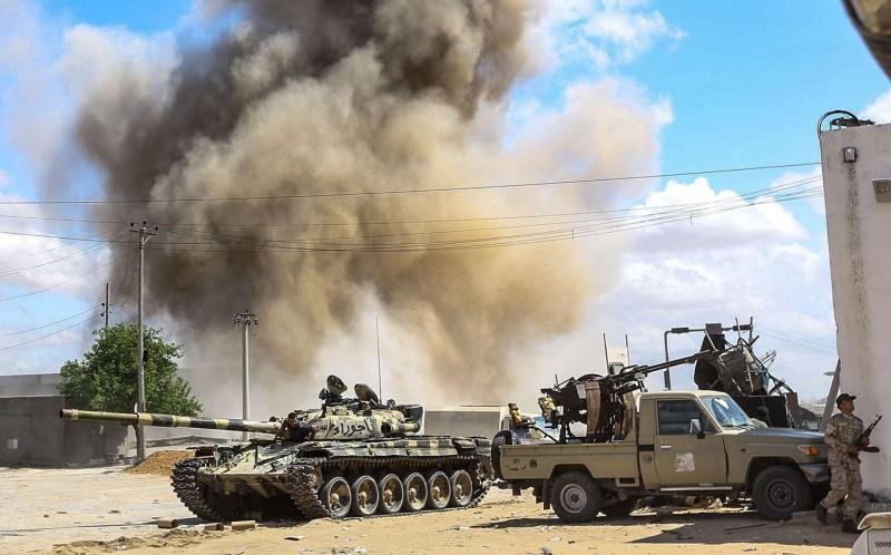 聯合國19日將在柏林召開高峰會,討論利比亞情勢,土耳其總統今天警告,若的黎波里中央政府垮台,歐洲恐面臨恐怖威脅。圖為利比亞。(法新社)