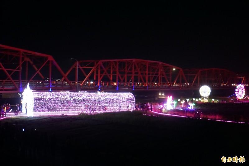 「2020燈Ligh西螺」燈會,完成點燈。(記者詹士弘攝)