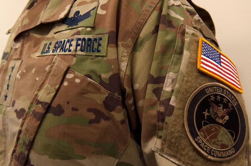 美國太空軍公布迷彩服,遭網友無情批評。(路透)