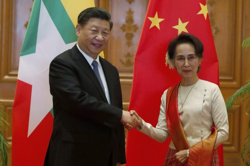 中國領導人習近平訪問緬甸,中緬雙方簽署聯合公報,直指「台灣是中華人民共和國不可分割的一部分」,此言無疑緊縮了中國自1996年提出的「三段論」。(美聯社)