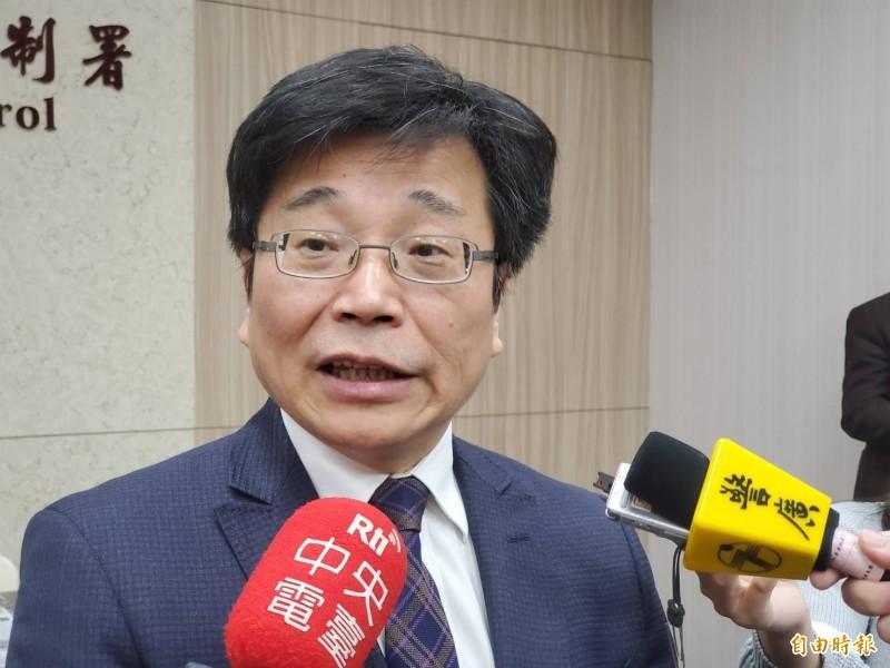 衛福部疾管署署長周志浩表示,我國已於今日下午成立中央流行疫情指揮中心。(記者林惠琴攝)