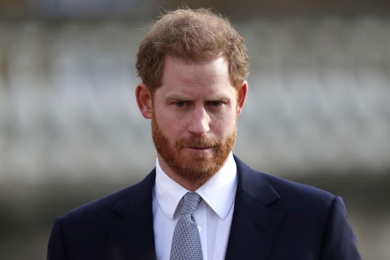 英國白金漢宮指出,哈利王子及妻子梅根將失去「殿下」(HRH)頭銜,哈利對此打破沉默做出回應,透露自己非常難過。(法新社)