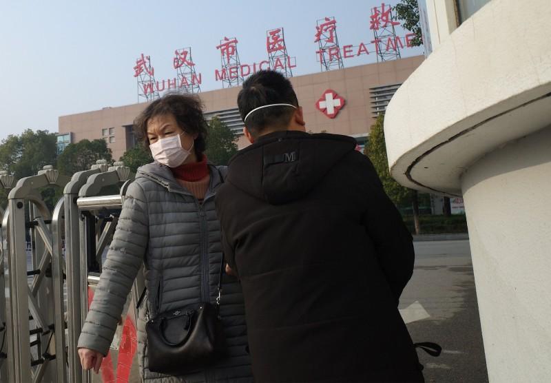 武漢市18日及19日兩天共新增病例136例、新增1死。圖為示意圖,非當事人。(法新社)